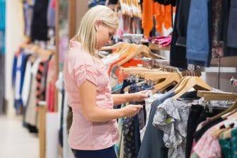 Les centres commerciaux ont été les plus touchés du fait des restrictions administratives