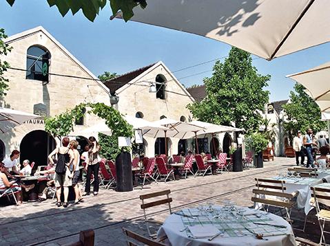 Le cour Saint-Émilion (Bercy Village) DR