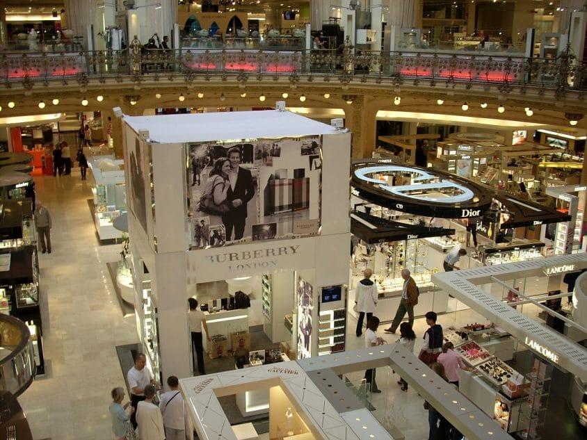Sept établissements importants des galleries Lafayettes seront repris